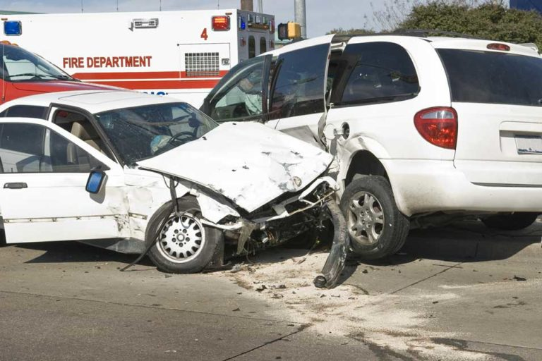 Auto Collision Injury? Yes, You Need to See a Chiropractor